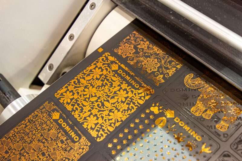 Domino K600i Embellishment labels