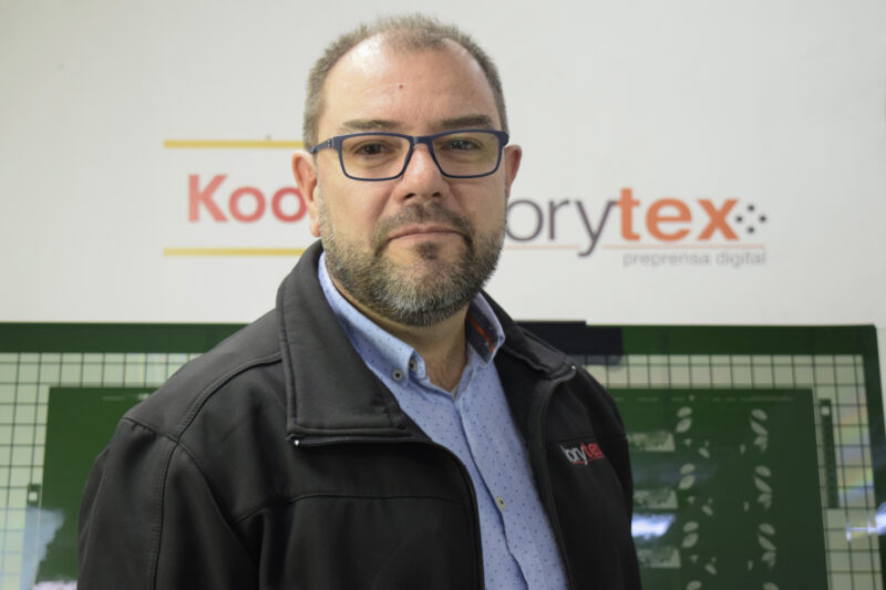 Roberto Dolinsky, Managing Director of Lorytex